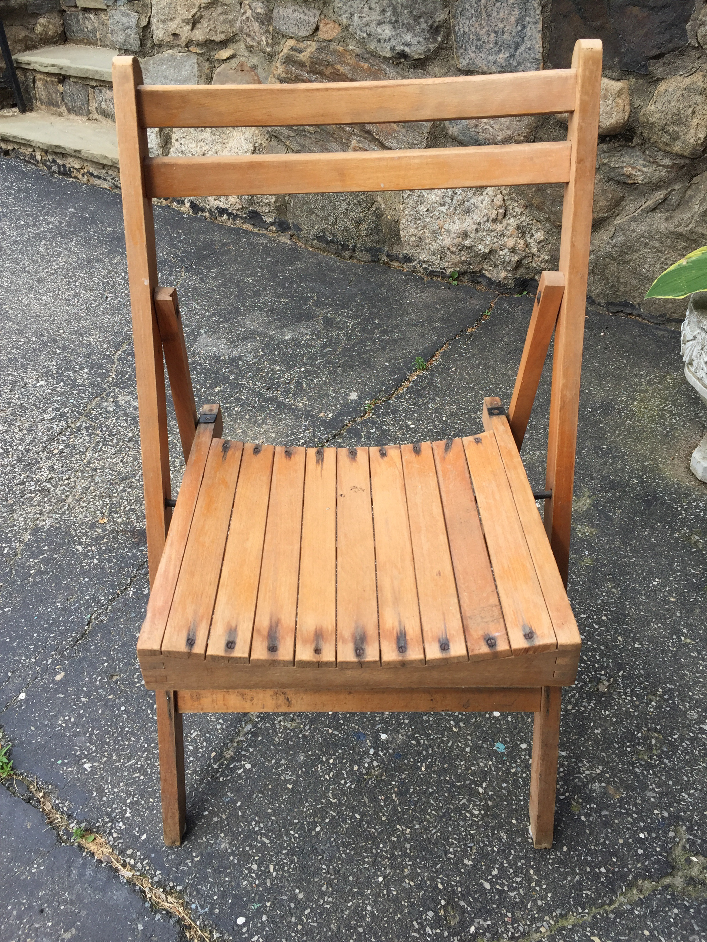 I Had A Tough Time Trying To Decide What To Makeover For This Monthu0027s  Contest. I Finally Decided To Work On These 2 Folding Chairs I Had Found On  The Curb A ...